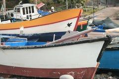 Barcos que se secan en Camara de Lobos, Madeira imagen de archivo