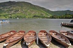 Barcos a remos em Ullswater imagem de stock royalty free