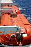 Barcos salva-vidas em uma balsa fotos de stock royalty free