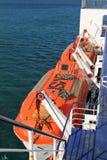Barcos salva-vidas retos da balsa de carro do cozinheiro de Bluebridge Foto de Stock Royalty Free
