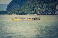 Barcos tailandeses tradicionais em Phang Nga, Phuket, Tailândia Imagem de Stock Royalty Free