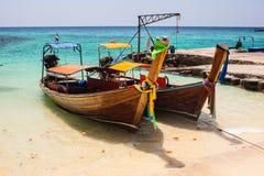 Barcos tailandeses tropicales Imagen de archivo libre de regalías