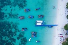 Barcos Tailandia de Longtail desde arriba foto de archivo
