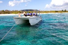 Barcos turísticos no console de Catalina Fotografia de Stock Royalty Free