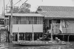 Barcos usados nos rios, Klong Toey, Tailândia Fotografia de Stock