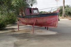 Barcos viejos dejados a la putrefacción imagen de archivo libre de regalías