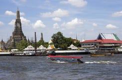 Barcos Wat Arun Fotografía de archivo