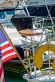 Barcos y barcos de pesca en el puerto deportivo del puerto Imágenes de archivo libres de regalías