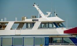 Barcos y barcos de pesca en el puerto deportivo del puerto Imagen de archivo