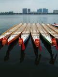 Barcos y edificios del dragón Fotografía de archivo libre de regalías