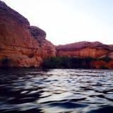 Barcos y el fluir imagen de archivo