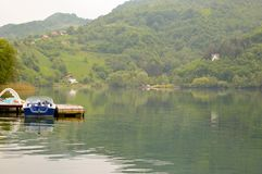 Barcos y lago Foto de archivo libre de regalías
