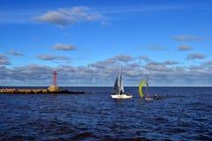 Barcos y nubes Foto de archivo libre de regalías