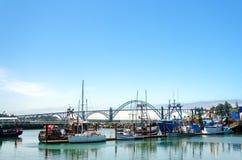Barcos y puente Imagen de archivo