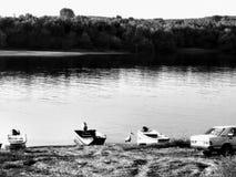 Barcos y río foto de archivo libre de regalías