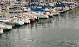 Barcos y yates imagen de archivo libre de regalías