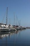 Barcos y yates atracados Foto de archivo