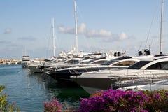Barcos y yates de lujo Imágenes de archivo libres de regalías