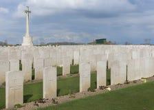 Bard Cottage Cemetery em Ypres, Flanders, Bélgica - paisagem. fotografia de stock
