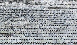 Bardeaux de toit superficiels par les agents par texture de fond photo stock