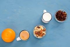 Bardzo łatwy, lekki i zdrowotny śniadanie dla zdrowego styl życia, zdjęcie royalty free