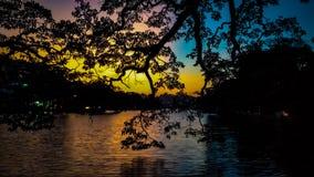 Bardzo atrakcyjny colour syndykat w wieczór niebie fotografia stock