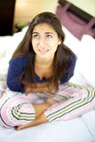 Bardzo choroba i pal młoda kobieta Fotografia Royalty Free