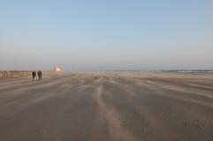 Bardzo silny wiatr na plaży Zdjęcie Stock