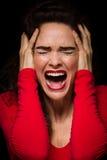 Bardzo wzburzona, emocjonalna i gniewna kobieta, obraz stock