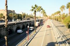 barelona被排行的机动车路西班牙结构树 库存图片