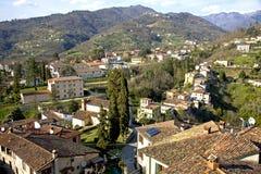 Barga-Dorf in Toskana stockbild