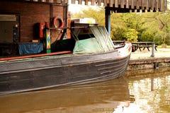Barge adentro la yarda de la reparación imagen de archivo