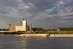 Barge auf Mississippi Lizenzfreies Stockfoto