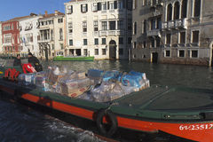 Barge dentro Veneza fotos de stock royalty free