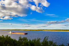 Barge on river Royalty Free Stock Photos