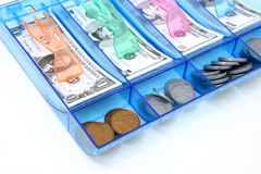 Bargeld-abgehobener Betrag des Spielzeug-Papiers und des Münzen-Geldes USD Lizenzfreie Stockfotografie