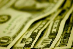 Bargeld auf der Tabelle Lizenzfreie Stockfotos