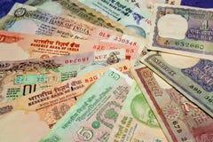 Bargeld in der Hand, Banknote Lizenzfreies Stockbild