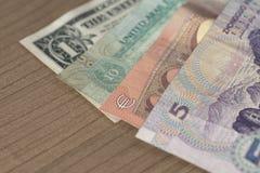 Bargeld der verschiedenen Länder Stockfotos