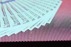 Bargeld 100 Dollar Hintergrund Lizenzfreie Stockfotos