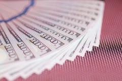 Bargeld 100 Dollar Hintergrund Lizenzfreies Stockfoto