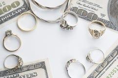 Bargeld für Gold Stockbilder