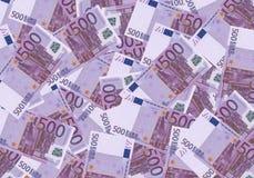 Bargeld-Hintergrundgeld des Euros 500 Feder, Brillen und Diagramme Konzepterfolgsreichwirtschaft Lizenzfreie Stockfotos