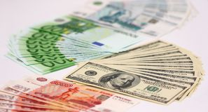 Bargeld, russischer Rubel, Euro und Dollar Stockbilder
