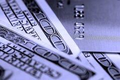 Bargeld und Kreditkarte Stockfotografie
