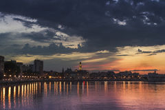 Bari bei dem Sonnenuntergang Stockfotos