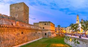Bari Italien, Puglia: Den Swabian slotten eller Castello Svevo, kallar också Royaltyfria Foton