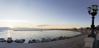 Bari Włochy świtu nadbrzeże Zdjęcia Royalty Free