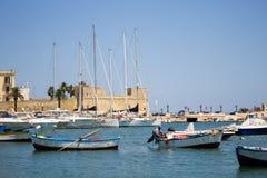 BARI WŁOCHY, LIPIEC, - 11,2018, łodzie w porcie w centrum Bari zdjęcia stock