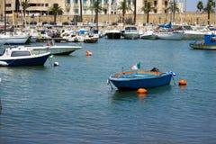 BARI WŁOCHY, LIPIEC, - 11,2018, łodzie w porcie w centrum Bari zdjęcie stock